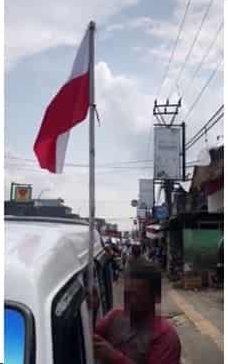 Konyol! Sopir angkot di Sukabumi pasang bendera Merah Putih Terbalik