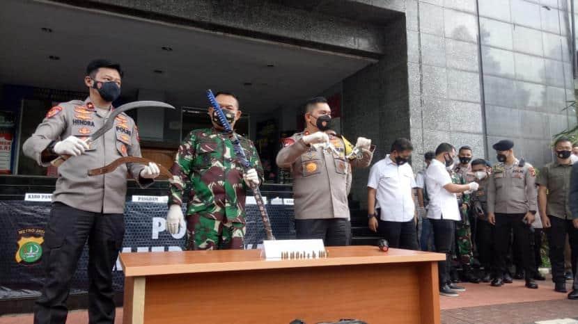 6 Anggota FPI Tewas Usai Bentrok dengan Polisi, Begini Ceritanya!