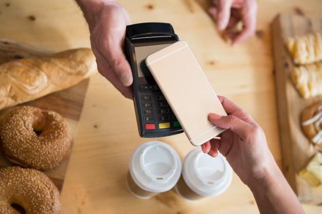 Apakah Layanan Pay Later Akan Menggusur Kartu Kredit?